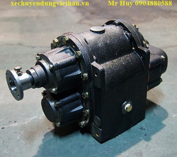 Bơm téc chở xăng dầu 22 khối Hyundai HD320
