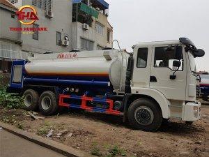 Xe xi téc chở xăng dầu 13.5 Dongfeng 3 chân