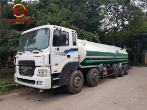Xe phun nước rửa đường Hyundai
